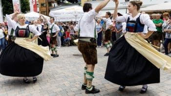 Schuhplatteln Volkstanz Tradition in Seefeld